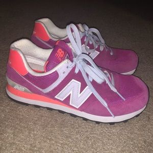 Women's new balance 574 size 8.5 shoes